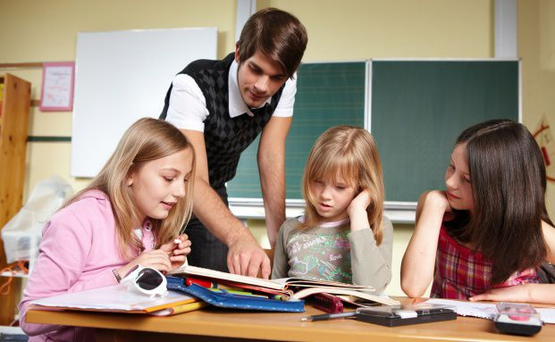 Finanzwissen f&uuml;r Kinder richtig vermitteln ist das Ziel der Initiative <br>My Finance Coach. Quelle: Fotolia