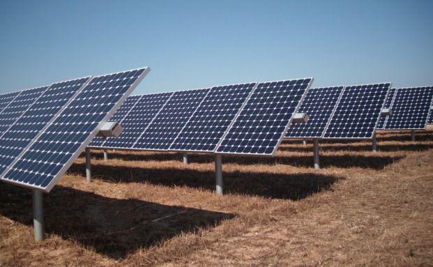 Die Solaranlage im italienischen Monsalto di Castro. <br> Die SolEs-Fonds 22 und 23 von Voigt & Collegen <br> sind an dem größten Solarpark Europas beteiligt.