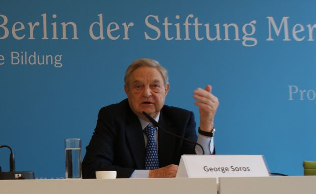 George Soros auf der Pressekonferenz in Berlin. <br> Quelle: DAS INVESTMENT.com