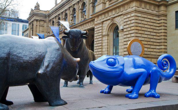 Das blaue Sparmäleon (chamaleo investus flexum) soll <br> Maskottchen der Fondsbranche werden.