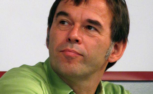 Verteidigt sich gegen Vorwürfe des BdV-Chefs: Hermann-Josef Tenhagen, Chefredakteur bei Finanztip. Foto: Molgreen/Wikipedia