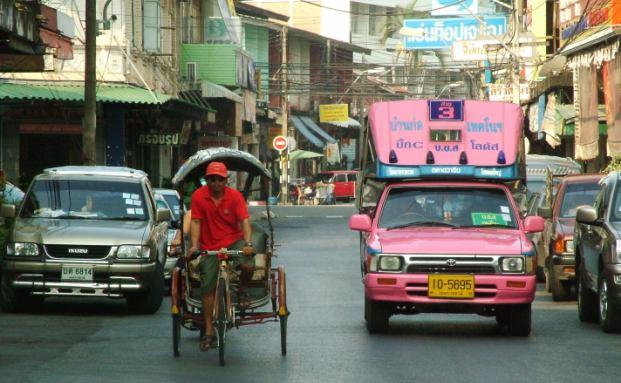 Eine Stra&szlig;enszene in der thail&auml;ndischen Hauptstadt <br> Bangkok. Quelle: Fotolia