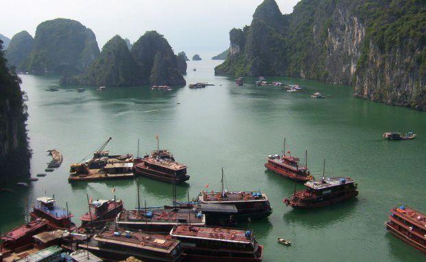Vietnam. M&auml;rkte wie Vietnam und Afrika sind <br> mit einem KGV um 10 noch sehr g&uuml;nstig bewertet. <br> Quelle: Fotolia