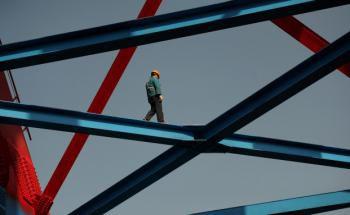 Hochgeschwindigkeitsstrecke bei Hefei in der chinesischen <br> Provinz Anhui: Umgerechnet 24 Milliarden Euro Zuschüsse <br> gibt es 2012 von der Zentralregierung für Eisenbahn- <br> Bauprojekte,  Quelle: Getty Images