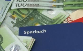 Immer noch Lieblingsanlage der Deutschen: Sparbuch. Foto: N.Schmitz/pixelio.de
