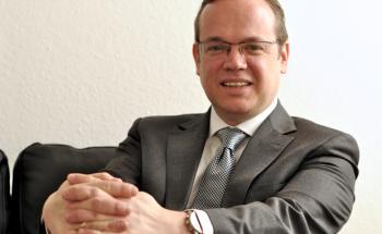 Frank Rottenbacher ist Vorstand des Beraterverbands AfW.