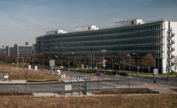 Die Bafin-Liegenschaft in Frankfurt ist Sitz der Bereiche Wertpapieraufsicht und Asset Management. Foto: © Kai Hartmann Photography / BaFin