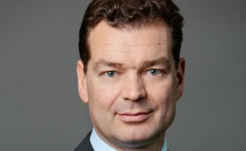 Frank Pörschke, Deutschland-Chef der Immobilienberatung JLL, erwartet eine Abwertung deutscher offener Immobilienfonds um 10 Prozent.