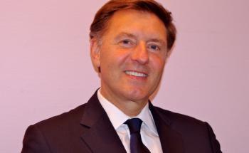 Stefan Adams