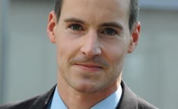 Tim Albrecht von DeAWM, der unter anderem den Fonds DWS Deutschland verwaltet, gehört zu den besten Managern sowohl auf Drei-, als auch auf Sieben-Jahres-Sicht