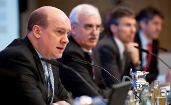 Allianz-Deutschland-Chef Markus Rieß (vorne) nebst Kollegen<br>vom Allianz-Vorstand.  Foto: Allianz