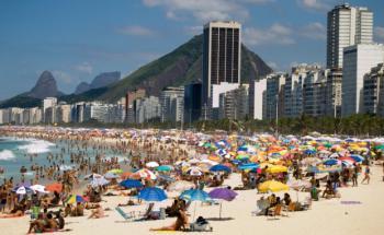 Der Strand Copacabana in Brasilien. <br> Südamerika ist nachhaltiger als Südeuropa. <br> Quelle: Fotolia