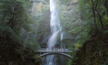 Multnomah-Wasserfall in Oregon: Die USA bilden derzeit die größte Länderposition im Jupiter Global Ecology Growth. Foto: Getty Images