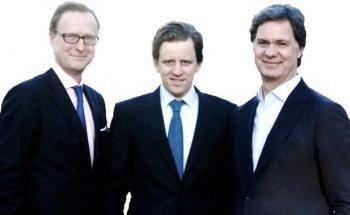 Das Gründerteam von Zinsland: Moritz Eversmann, Carl-Friedrich von Stechow und Stefan Wiskemann (von links)