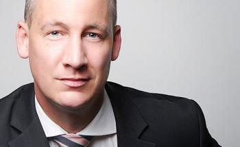 Marc Hinrichsen, Geschäftsführer der Hans John Versicherungsmakler.