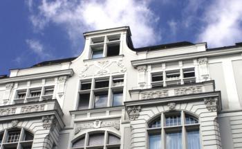 Immobilien statt Anleihen: Institutionelle Investoren ädnern ihre Asset Allocation. Quelle: Fotolia
