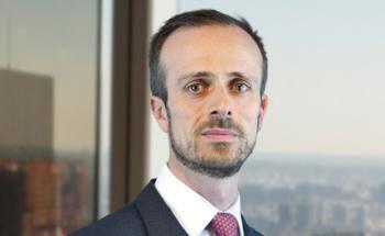 Alexander Ions von AXA Investment Managers. Digitale Fotobearbeitung: Elena Ekkert