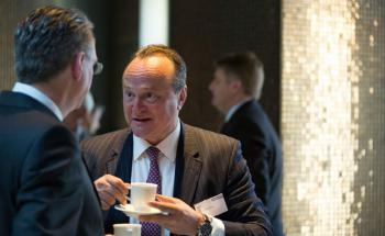 Asienkenner Karl Pilny auf dem private banking kongress in München 2014 (Foto: Christian Scholtysik, Patrick Hipp)