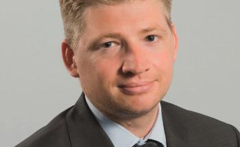 Jorry Nøddekær sammelt Aktien für den Nordea Emerging Markets Focus Fund einzeln zusammen.