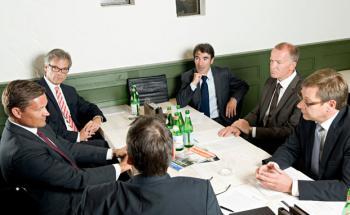 Roundtable-Gespräch im Restaurant La Baracca in Hamburg.