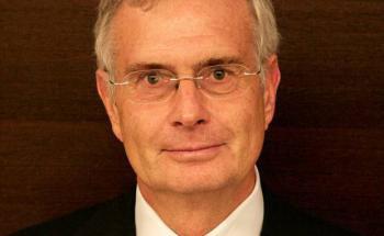 Günter T. Schlösser ist Vorsitzender des Vorstands vom Verband unabhängier Vermögensverwalter