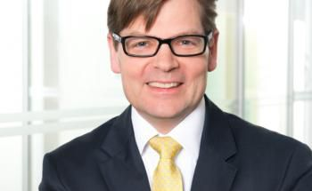 Verdient genauso viel wie der Vorstand einer vergleichsweise kleinen Volksbank: Comdirect-Chef Arno Walter