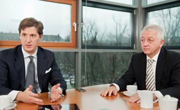 Wulf U. Schütz, Aragon, und Claus Quahl, SRQ Finanzpartner.