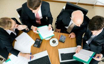 Wenn es um den Verkauf von Versicherungen geht, finden <br> die Makler viele Argumente. Sie selbst dagegen <br> sind oft unterversichert. Quelle: Fotolia