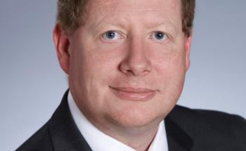 David Buckle engagiert sich für erfolgreiche Investments bei Fidelity.