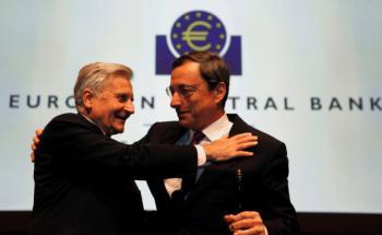 Jean-Claude Trichet (li.) mit Mario Draghi. <br> Quelle. Getty Images