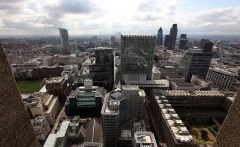 Blick vom Cromwell-Tower: Die Anzahl offener Stellen im Londoner Finanzdistrikt wächst. Foto: Getty Images