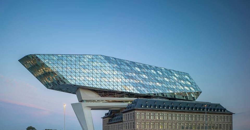 Port House in Antwerpen fertiggestellt