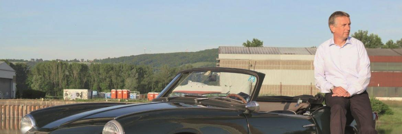 "Eric Samuiloff neben ""Froschi"": So lautet der Spitzname, den Samuiloffs Gattin dem Triumph Spitfire MK3 gab"