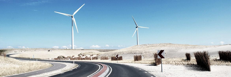 Windkraftanlage in der Wüste|© unsplash.com