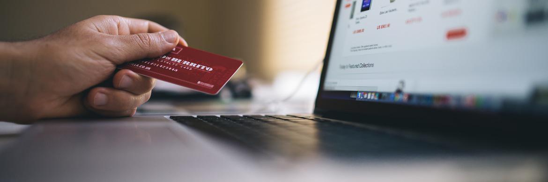 Immer mehr Finanztransaktionen werden über das Internet abgewickelt. Online-Anbieter ersetzen zunehmend auch konventionelle Banken.|© negativespace.co