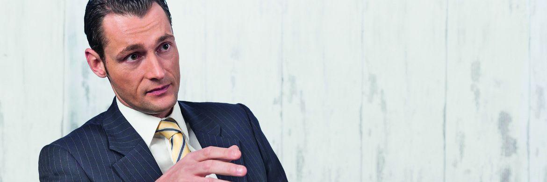 Nikolaus Sochurek ist Anwalt bei Peres & Partner in München und unter anderem auf die strafrechtliche Haftung von Vermittlern spezialisiert.