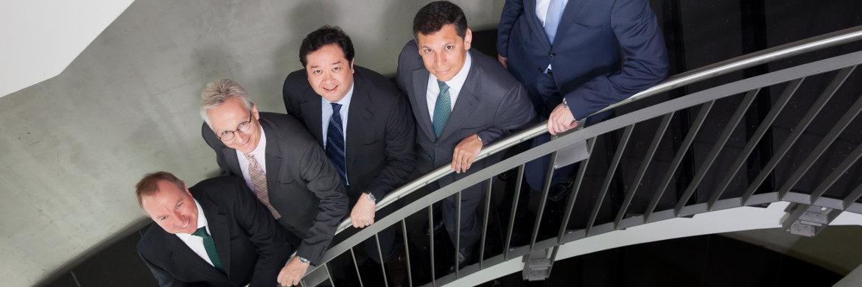 von links: Investmentstratege Mike Biggs, Vertriebsleiter Christopher Hönig und die Fondsmanager Michael Lai und William Mejia, allesamt GAM|© Foto: Florian Sonntag
