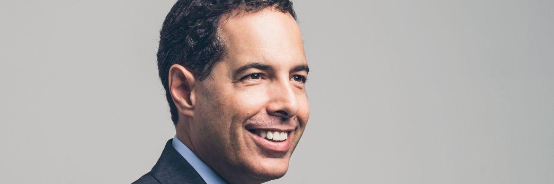 Alexander Zeeh (47) leitet als CEO die Geschäfte der in Singapur ansässigen unabhängigen Investmentboutique S.E.A. Asset Management. Gemeinsam mit seinem Kollegen Gallen Tay betreut er die beiden Spezialitätenfonds des Hauses, die sich auf asiatische Hochzinsanleihen mit kurzen Restlaufzeiten und asiatische Small Caps spezialisiert haben.