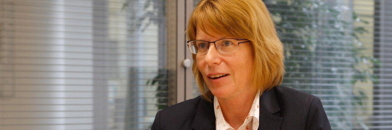 Carmen Daub managt seit Januar 2011 den Bereich Staatsanleihen für die Kapitalanlagen des Gothaer Konzerns. Die Diplom-Volkswirtin verantwortet zudem das Management der Gothaer Comfort Fonds. Zuvor war Daub unter anderem für die Aktienund Rentenanlagen der Volkswohl-Bund Versicherungen, für die BHF Bank sowie für die Oppenheim KAG tätig. Als Publikumsfondsmanagerin wurde Daub mehrfach von den Rating-Agenturen Morningstar, Lipper und Citywire ausgezeichnet.