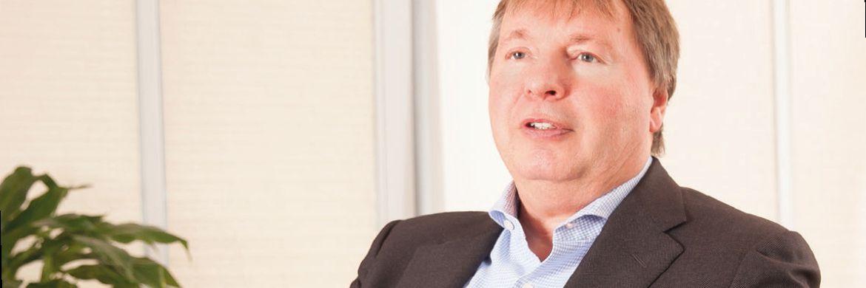 Peter Jäderberg (57) ist Gründer und Geschäftsführer von Jäderberg & Cie. in Hamburg. Der gebürtige Schwede ist seit mehr als 30 Jahren in der Finanzbranche tätig. Bevor er sich dem Anlagethema Indisches Sandelholz widmete, beschäftigte er sich vorzugsweise mit anderen Spezial-Assets und ist zum Beispiel ein anerkannter Experte im Zweitmarkt für Lebensversicherungen.|© Florian Sonntag