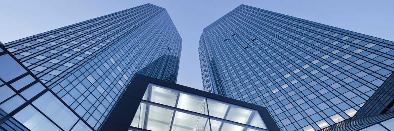 Die Deutsche Bank, Mutterkonzern der Deutsche AM, stimmte Anfang des Jahres in einem Rechtsstreit mit US-Steuerbehörden einer Strafzahlung von 95 Millionen US-Dollar zu.