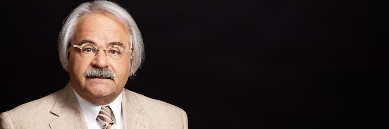 Hans-Peter Schwintowski ist Experte für das Privatversicherungsrecht, für Bank- und Kapitalmarktrecht sowie für Wettbewerbs- und Vertriebsrecht im Versicherungswesen.