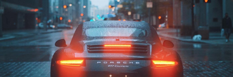 Ein Porsche-Fahrer in den USA|© unsplash.com