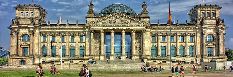 Das Reichstagsgebäude in Berlin ist seit 1999 Sitz des Deutschen Bundestages.|© pixabay.com