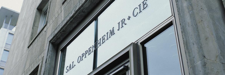 Schriftzug am Stammsitz von Sal. Oppenheim in Köln. Zum 1. Mai wird Martin Renker Chef der Privatbank