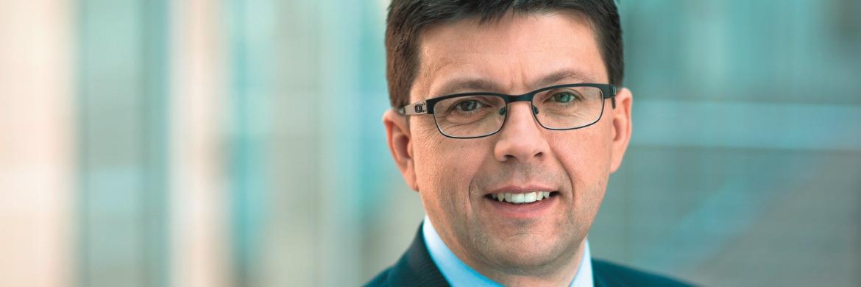 Stefan Kreuzkamp ist Investmentchef und Leiter für Deutschland und den Emea-Raum bei Deutsche Asset Management. Kreuzkamp steht außerdem dem Bereich Aktives Management vor