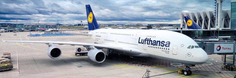 """Lufthansa-Maschine (A380-800) """"München"""" des Flugzeugbauers Airbus, der auch im Fonds von Björn Glück vertreten ist"""