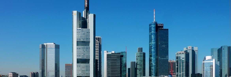 Bankentürme prägen die Skyline von Frankfurt am Main
