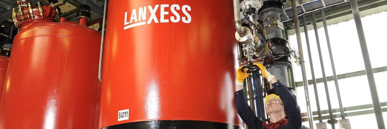 Lanxess produziert unter anderem an seinem Standort Leverkusen hochwertige Industriechemikalien, wie verschiedene Aromaten und Amine mit einem breiten Anwendungsspektrum.|© LANXESS