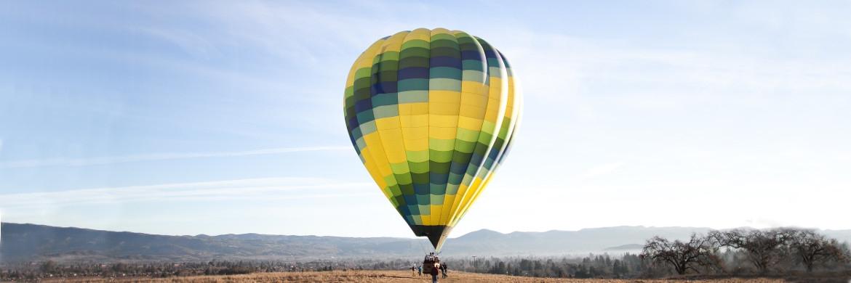Heißluftballon bei einem Wettkampf in Frankreich. Europäische Aktien setzten am Jahresbeginn ebenfalls zu ihrem Höhenflug an|© Pixabay